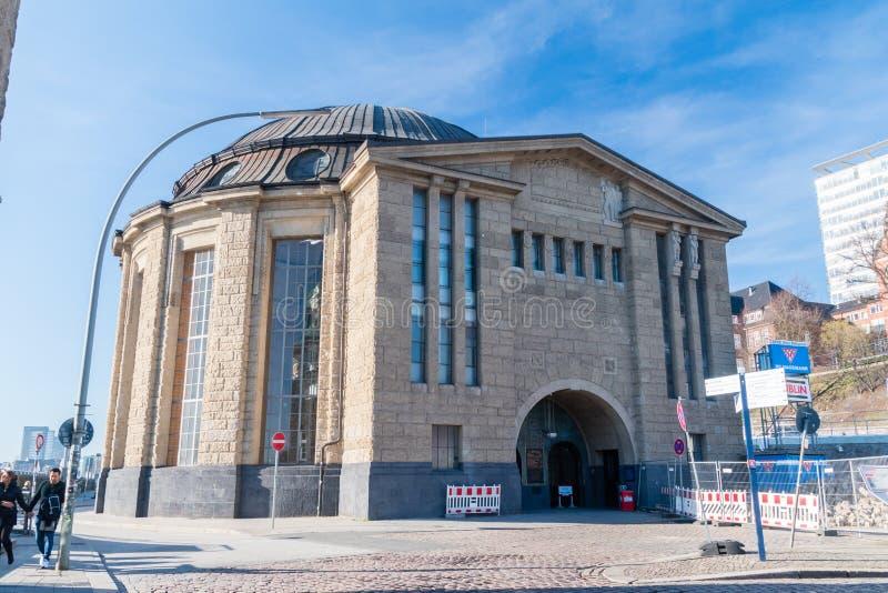 Ingang en uitgang van Hamburg Elbtunnel royalty-vrije stock foto's