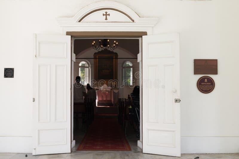 Ingang in kleine Christelijke kerk royalty-vrije stock afbeeldingen