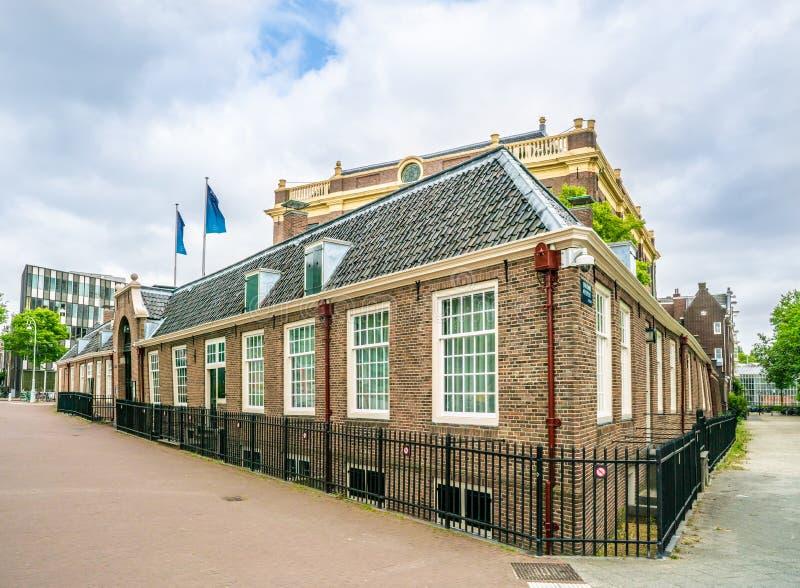 Ingang van de Portugese die Synagoge in Meester Visser plein in het oude Joodse kwart van Amsterdam wordt gevestigd stock foto's