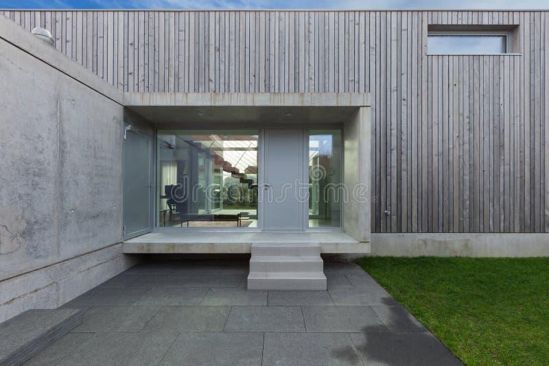 Een modern huis. latest download tuin van een modern huis met