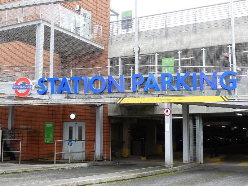 Ingang van het de Postparkeerterrein van Londen de Ondergrondse, Rickmansworth stock foto's
