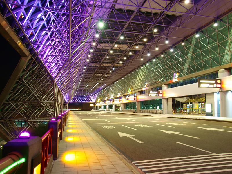 Ingang van luchthaven stock afbeeldingen