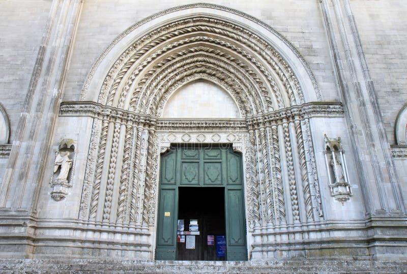 Ingang van San Fortunato in Todi, Italië royalty-vrije stock afbeelding