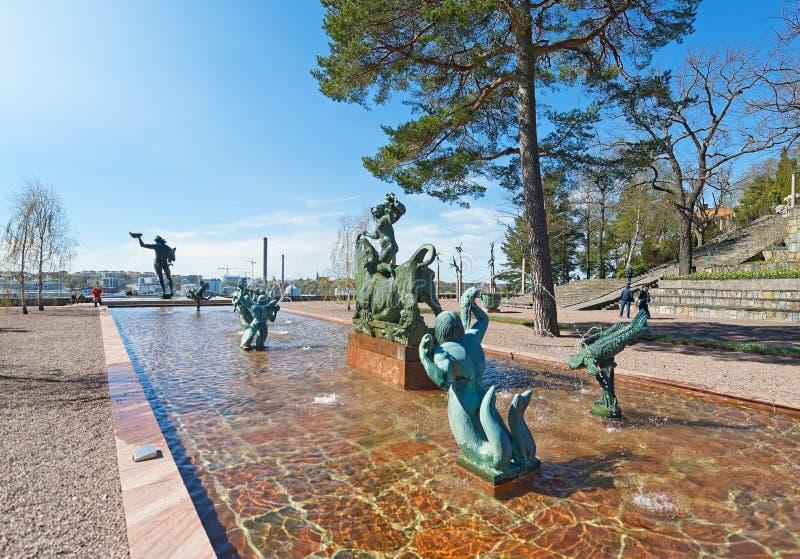 Ingangsmening in Millesgarden met standbeelden van de beeldhouwer Carl stock afbeelding