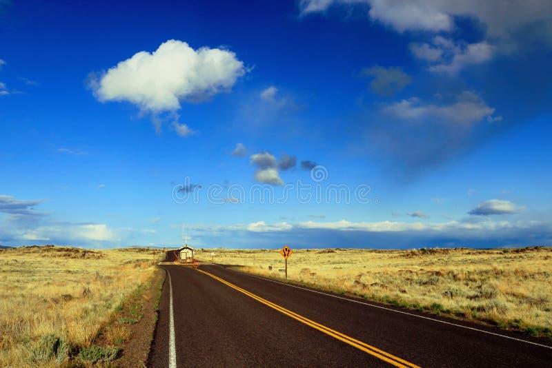 Ingangspost aan Lava Beds National Monument, Noordelijk Californië stock foto's