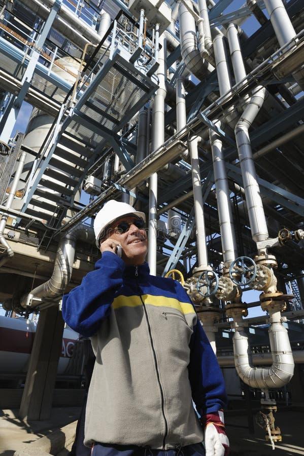 Ingegnere e stazione principale del combustibile immagini stock libere da diritti