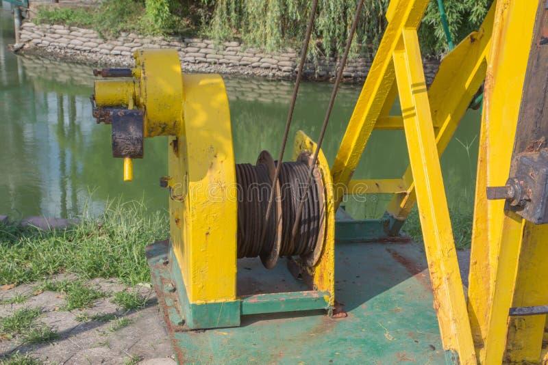 Ingegneria pesante Metal la costruzione Sollievo di lavoro manuale Vecchia attrezzatura industriale arrugginita fotografia stock