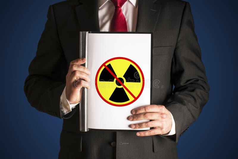 Ingen atom- makt royaltyfri bild