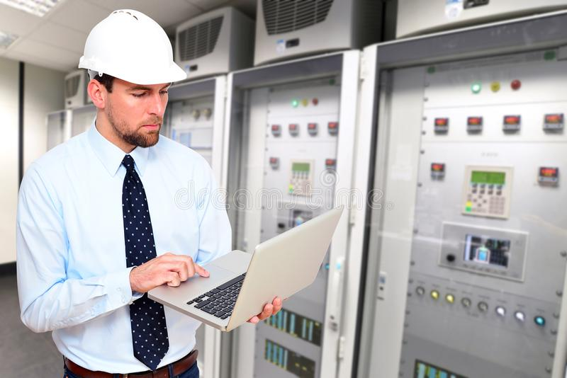 Ingeniería industrial de alta tecnología de los trabajos de ingeniería imagen de archivo