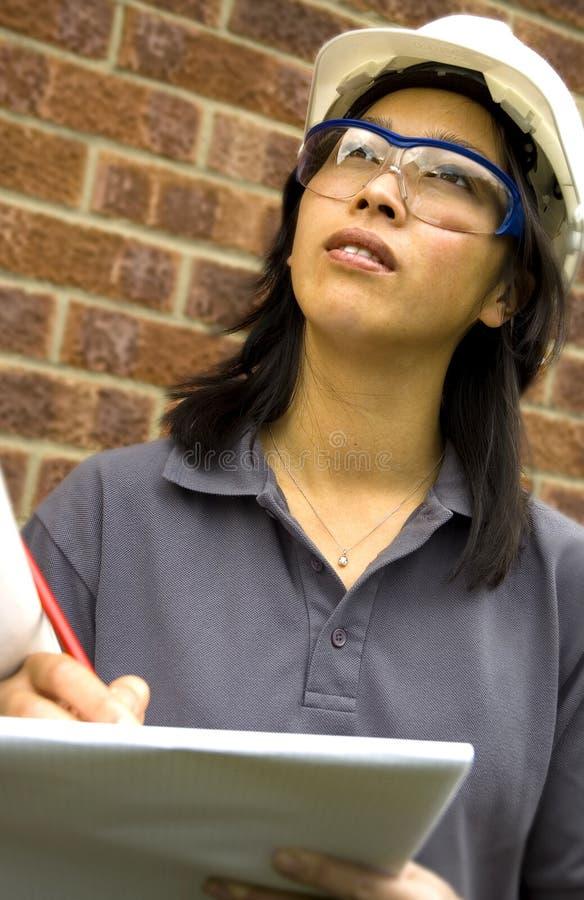 Ingeniero de sexo femenino imagen de archivo