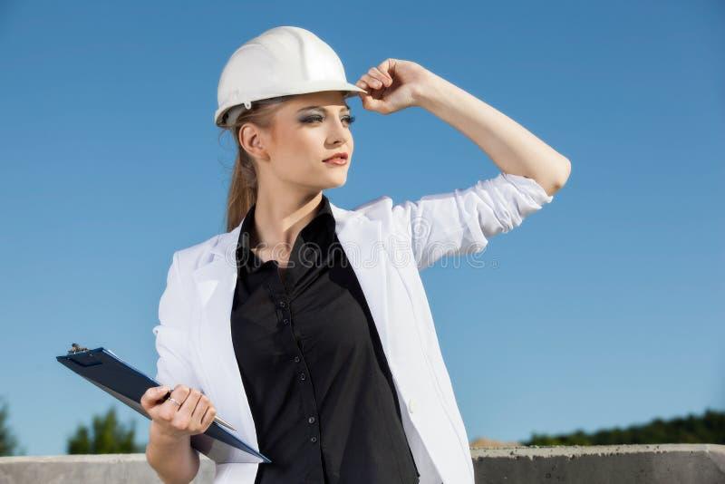 Ingeniero de sexo femenino imagen de archivo libre de regalías