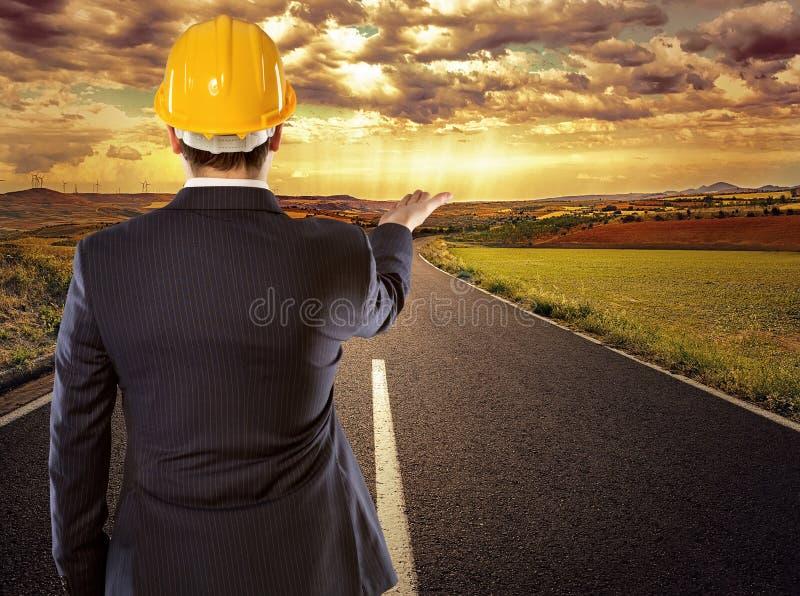 Ingeniero en el camino imagenes de archivo