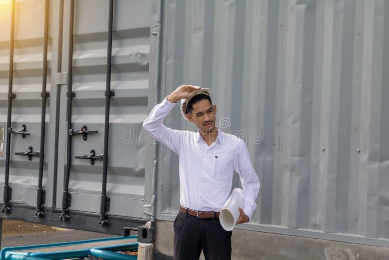 Ingeniero joven del hombre de Asia fotografía de archivo