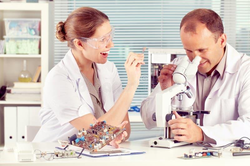 Ingenieurs op het Werk stock foto