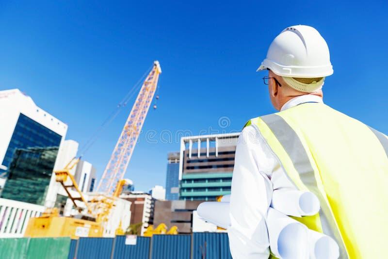 Ingenieursbouwer bij bouwwerf royalty-vrije stock foto's