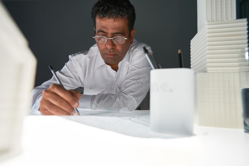 Ingenieurzeichnungsskizze stockbild