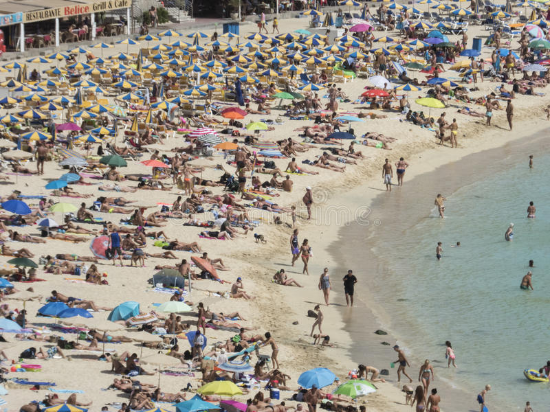 Ingepakt strand in Gran Canaria stock afbeelding