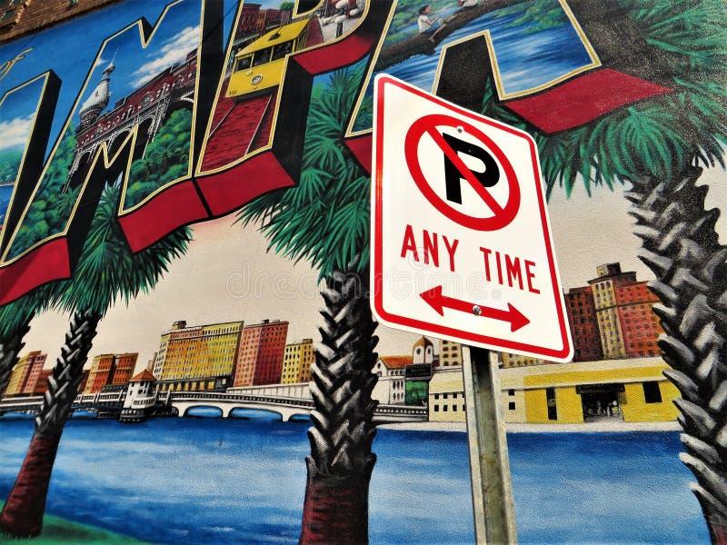 Inget parkera när som helst tecknet, Tampa royaltyfri bild