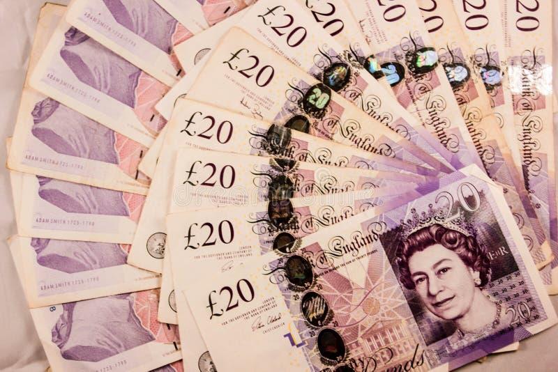 Inglês vinte libras esterlinas de mistura do dinheiro imagens de stock royalty free