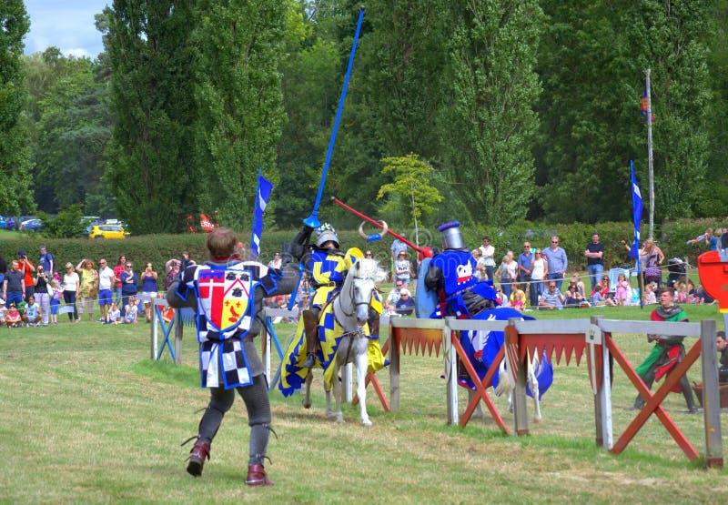 Inglaterra contra o joust dos cavaleiros de Escócia imagem de stock
