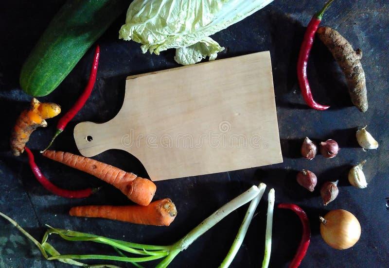 Ingrédient des concombres marinés, des carottes, du chou blanc, et de l'aile du nez Indonésie de poivrons rouges photo stock
