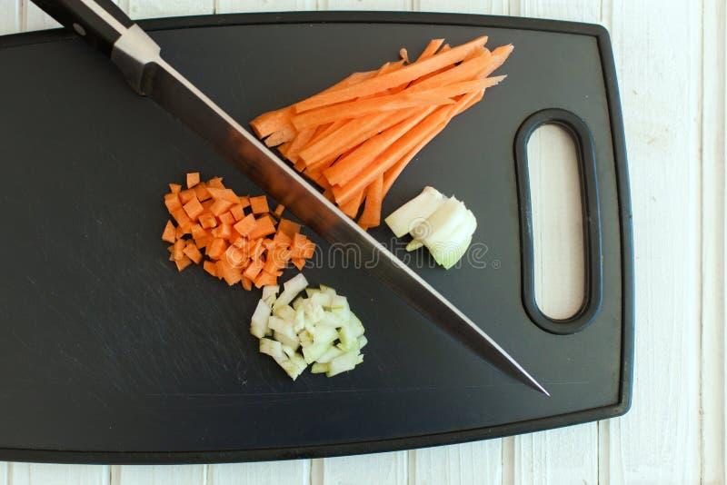 Download Ingrédients Crus Pour La Cuisson Photo stock - Image du couteau, découpage: 76081454