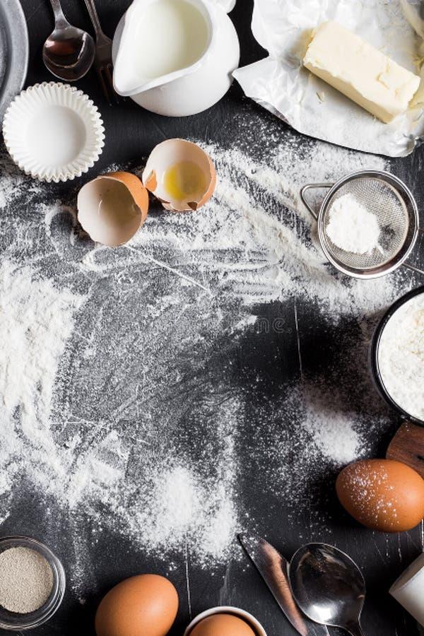 Ingrédients de cuisine de cuisson de préparation pour la cuisson images libres de droits