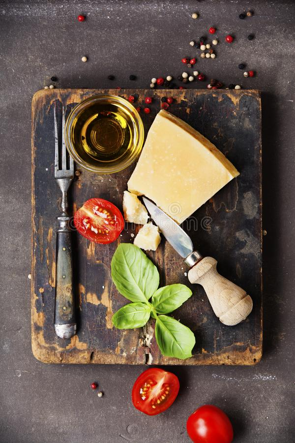 Ingrédients de nourriture fraîche pour la cuisine italienne photos stock