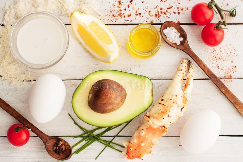 Ingrédients pour l'omelette de viande de crabe photo libre de droits