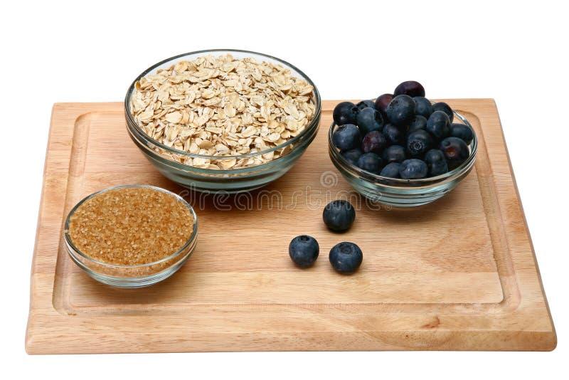 Ingrédients pour la farine d'avoine fraîche de myrtille photo libre de droits