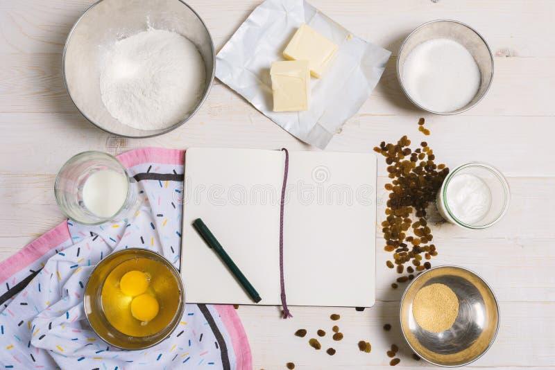 Ingrédients pour la pâte de Pâques image stock
