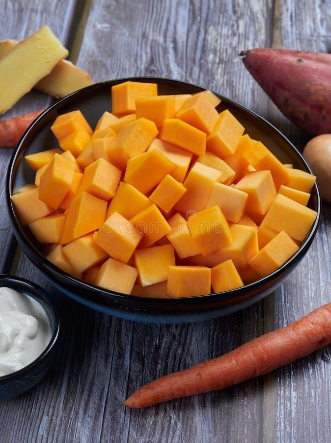 Ingrédients pour la soupe à courge de butternut photographie stock libre de droits