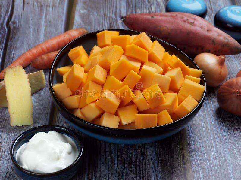 Ingrédients pour la soupe à courge de butternut images libres de droits