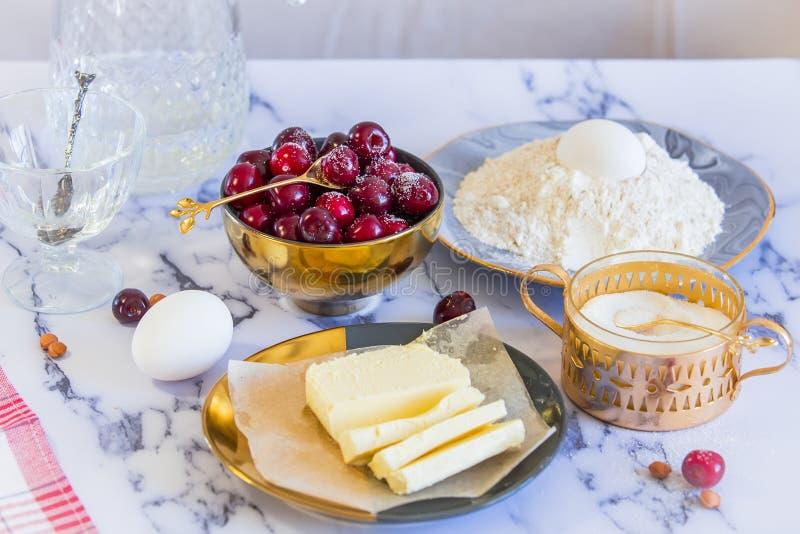 Ingrédients pour le tarte image stock