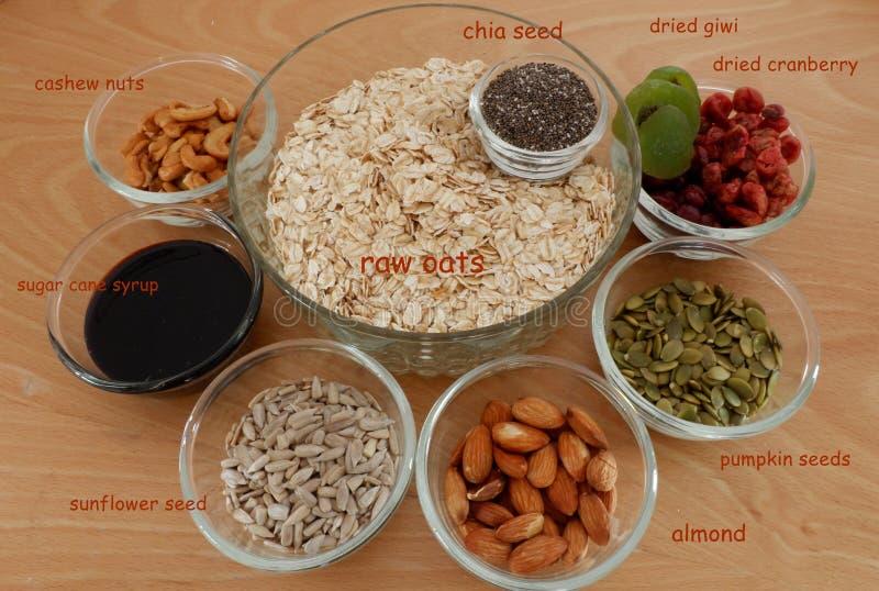 Ingrédients sains de granola de Vegan image libre de droits
