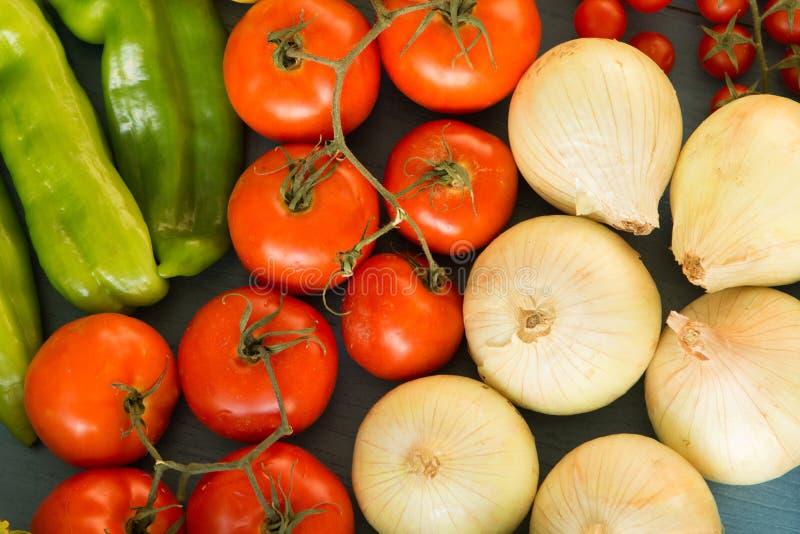 Ingrédients savoureux pour une salade saine photo stock