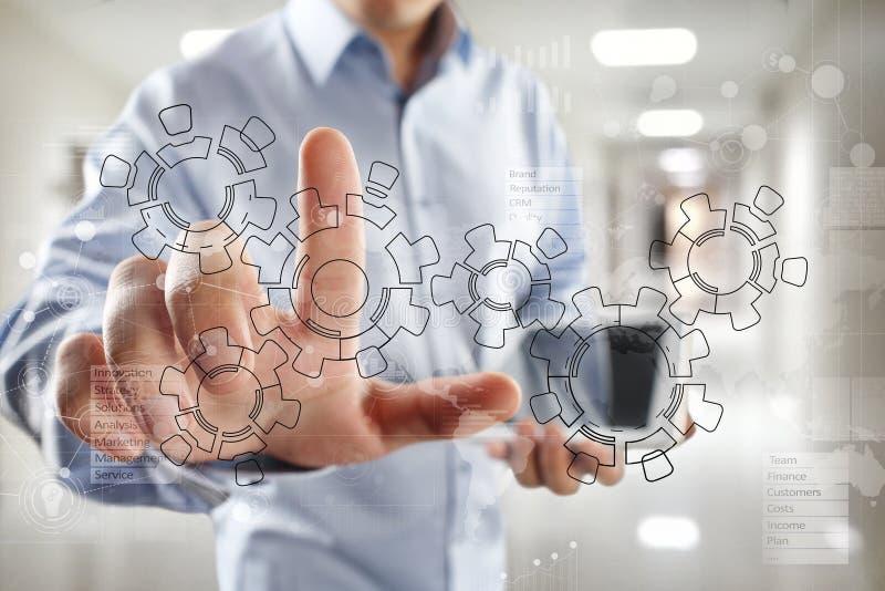 Ingranaggi, progettazione del meccanismo sullo schermo virtuale Sistemi di cad Concetto di affari, di industriale e di tecnologia immagine stock libera da diritti