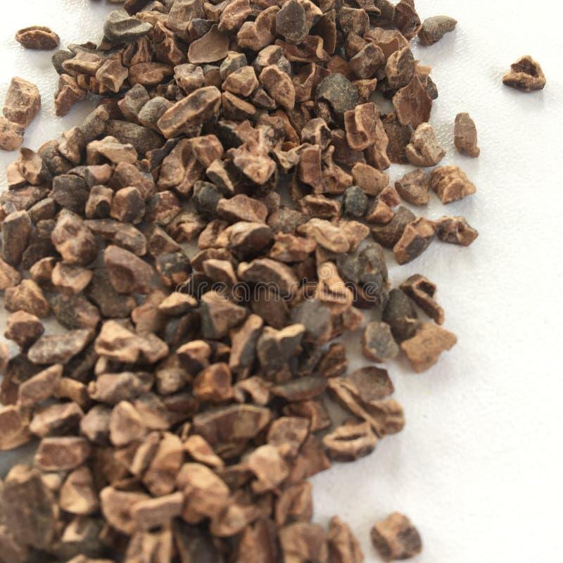 Ingrediënt: cacaobonen, enkel ruwe cacao stock afbeeldingen