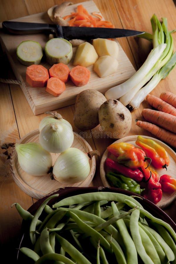 Ingrediënten om veganist of vegetarisch voedsel, gezond voedsel FO voor te bereiden stock fotografie
