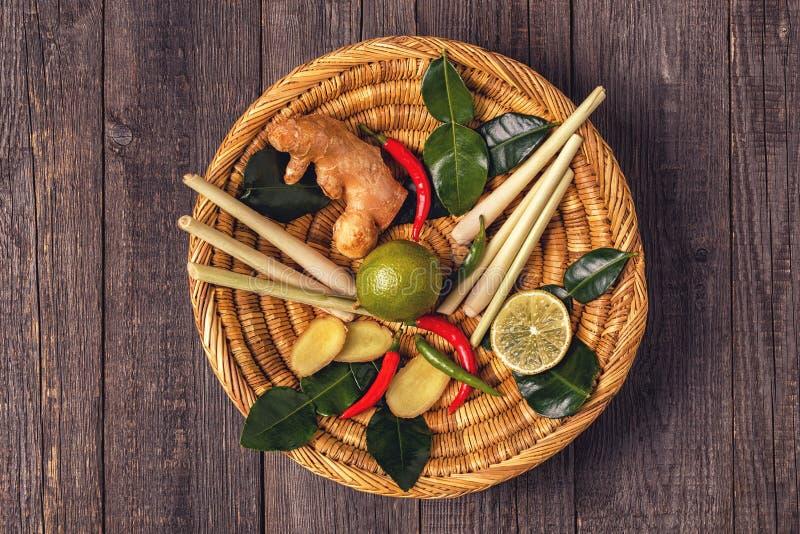 Ingrediënten van Thais kruidig voedsel royalty-vrije stock afbeeldingen