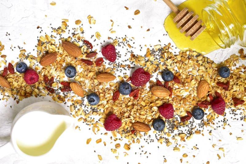Ingrediënten voor het maken van gezonde voeding breakfastTop mening stock afbeeldingen