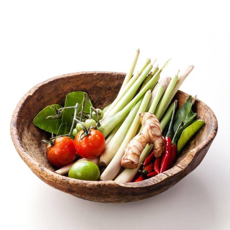 Ingrediënten voor kruidige Thaise soep Tom Yam stock foto