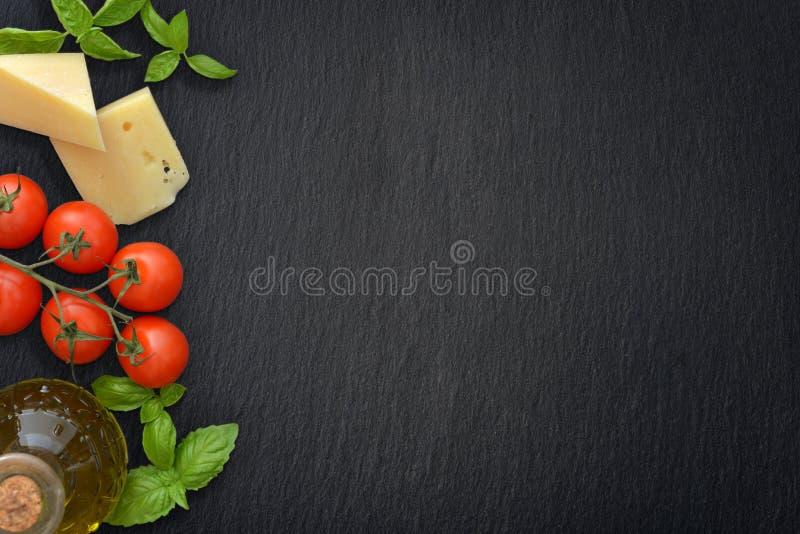 Ingredienser av italiensk kokkonst royaltyfri foto