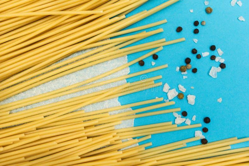 Ingredienser för förberedelsen av pasta arkivfoton