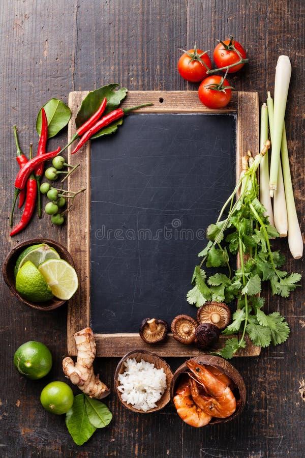 Ingredienser för kryddig thailändsk soppa Tom Yam arkivbilder