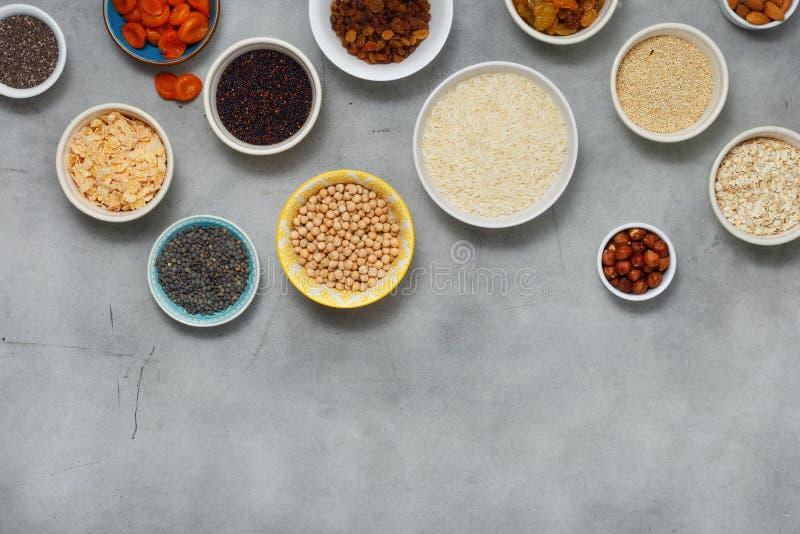 Ingredienser för lekmanna- uppsättning för bästa sikt för lägenhet som vegetariska lagar mat sund foo royaltyfria bilder