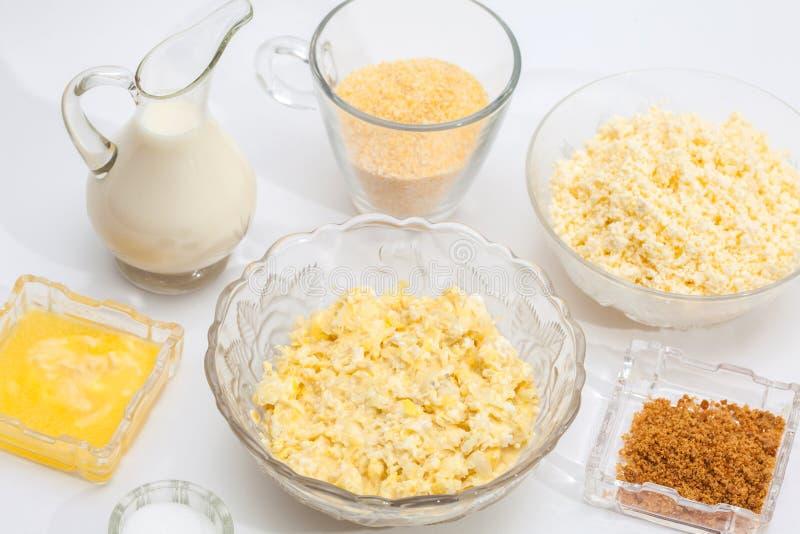 Ingredienser för majsbröd royaltyfria bilder