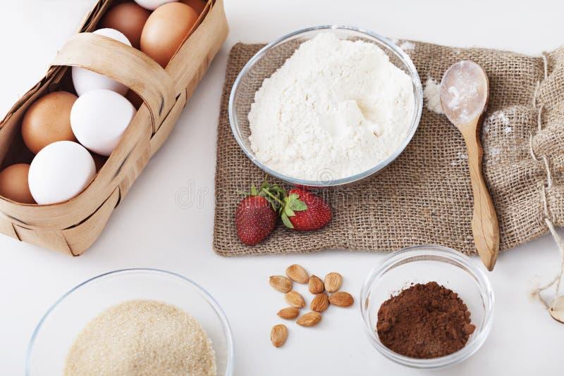 Ingredienser för tårta arkivbilder