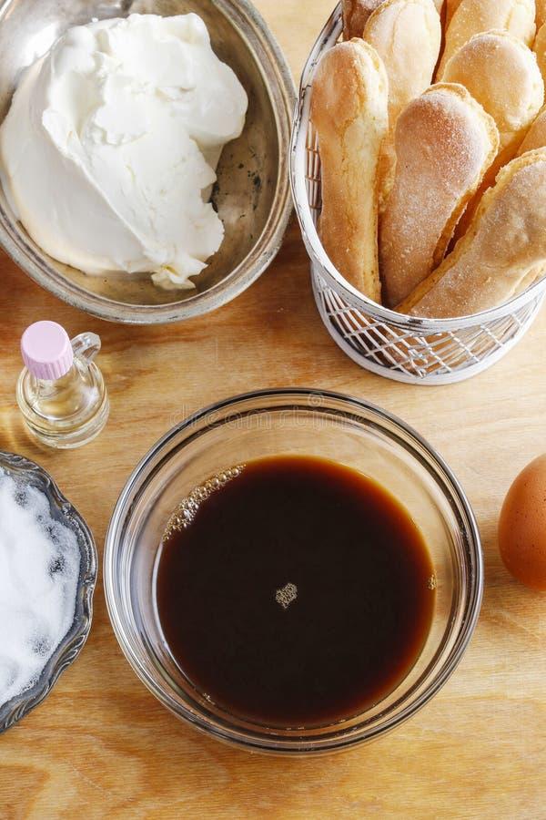 Ingredienser för tiramisukaka royaltyfri bild