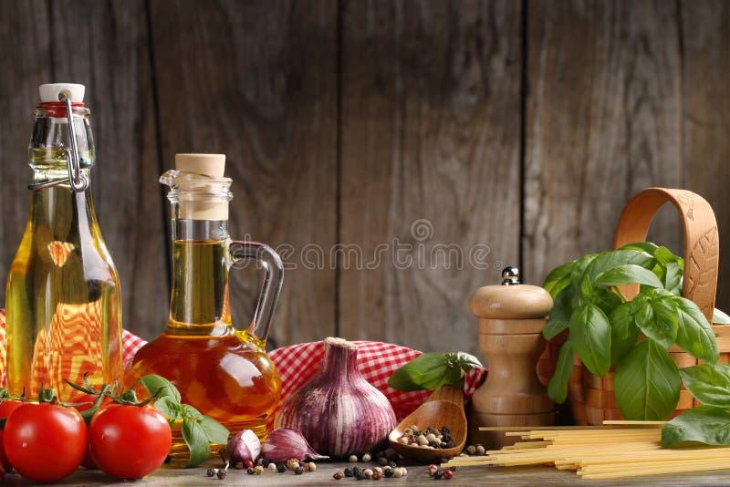 Ingredientes alimentarios italianos foto de archivo